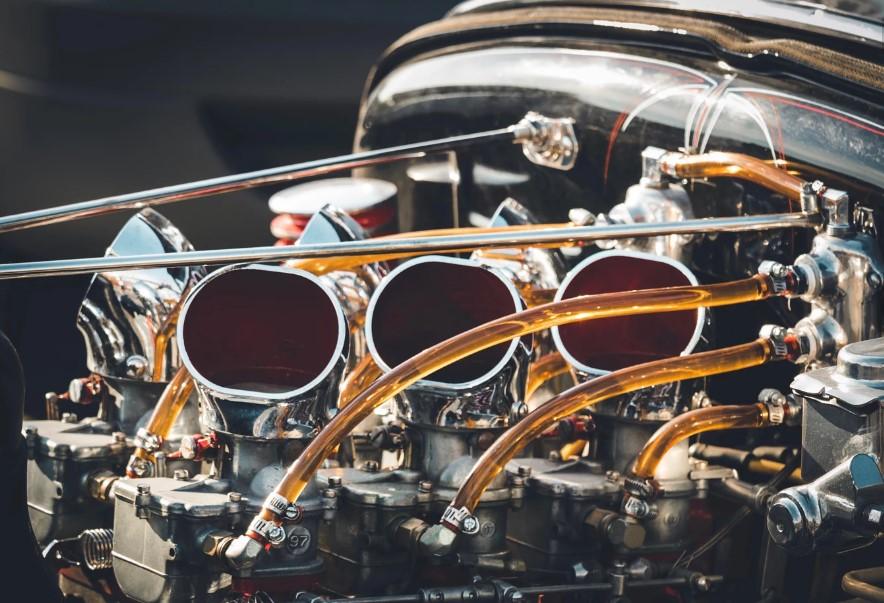 Бензиновый двигатель фото